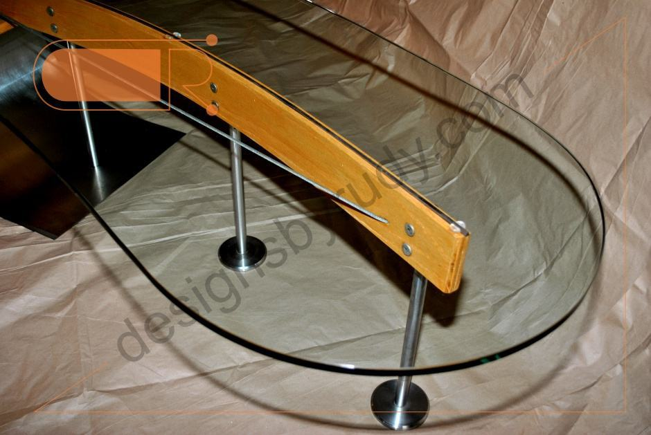 Outstanding Stainless Steel and Wood Round End Table 940 x 629 · 209 kB · jpeg