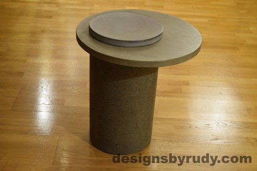 Gray Concrete Side Table, Gray Top and Cap, Pillars model, Designs by Rudy