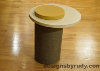 Gray Concrete Side Table, White Top and Yellow Cap, Pillars model, Designs by Rudy