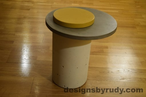White Concrete Side Table, Gray Top and Yellow Cap, Pillars model, Designs by Rudy