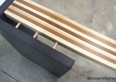 Left curve conrete console table wood and concrete detail 1, Designs by Rudy